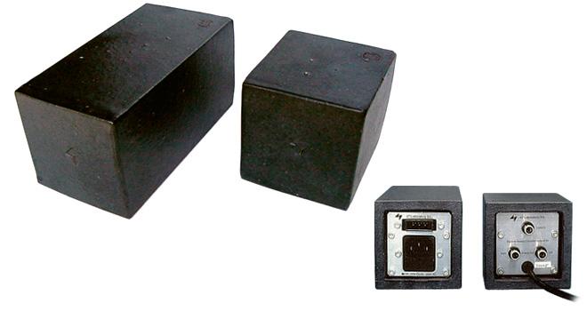 Model 4715  D/A Converter
